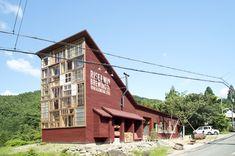 徳島県勝浦郡/RISE & WIN Brewing Co. BBQ & General Store。