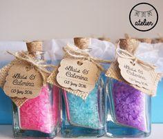 Mini botellas con sales de baño. Detalles para bodas