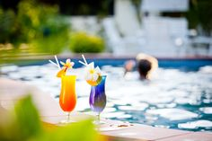 Enjoy a drink or 2 by the pool
