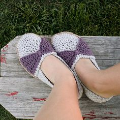 The Jess Flats via Ravelry. super cute