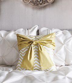 Metallic Gold Pillow - Gold and White Bow Pillow Covers - Decorative Pillows - Chevron Pillows - Metallic Gold Pillows - Holiday Decor Gift Bow Pillows, Gold Chevron, How To Make Bows, Pillow Design, Accent Pieces, Decorative Throw Pillows, Pillow Covers, Metallic Gold, Etsy