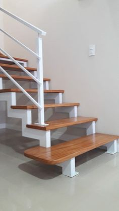 Staircase Design Modern, Home Stairs Design, Modern Stairs, Interior Stairs, Home Room Design, Tiled Staircase, Staircase Remodel, Wardrobe Design Bedroom, Bedroom Bed Design