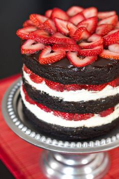 Strawberry Brownie Layer Cake - pice o' cake - Best Cake Recipes Just Desserts, Delicious Desserts, Dessert Recipes, Yummy Food, Cheesecake Recipes, Food Cakes, Cupcake Cakes, Strawberry Brownies, Strawberry Cakes