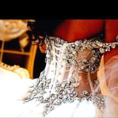 Bling corset, wow !!!! Mama's pck