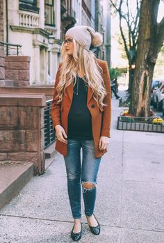 In need of some style inspiration for your pregnancy? Conni of Art in the Find shares 10 cute maternity clothes and pregnancy outfits to stay stylish while pregnant! Fall Maternity Outfits, Stylish Maternity, Maternity Wear, Maternity Clothing, Fall Maternity Fashion, Maternity Styles, Maternity Swimwear, Maternity Photos, Maternity Dresses