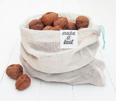 Produce Bags - set of lightweight organic cotton, reusable, plasticfree and zerowaste Bio Vegan, Tiny Studio, Produce Bags, Small Meals, Eco Friendly House, Glass Containers, Cotton Bag, Cloth Bags, Biodegradable Products
