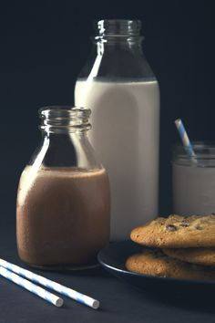 A New Spin on Plain & Chocolate Milk - Pickles & Honey Honey Recipes, Dairy Free Recipes, Clean Recipes, Gluten Free, Milk Cookies, Cookies Vegan, Vegan Sweets, Vegan Food, Milk Ingredients