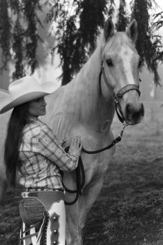Just a cowgirl and her horse - Rosendahl Photography