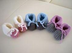 chaussons BB et adultes au tricot