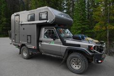 Toyota Land Cruiser 70 series - not sure where you can get this 4x4 Trucks, Rv Truck, Toyota Motorhome, Toyota Camper, Pickup Camping, Truck Camping, Slide In Camper, Off Road Camper, Land Cruiser 70 Series