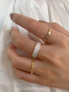 Hand Jewelry, Cute Jewelry, Jewelry Rings, Jewelery, Jewelry Accessories, Fashion Accessories, Jewelry Design, Trendy Accessories, Jewelry Crafts