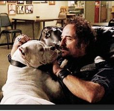 Sons of anarchy. Tig with saved dog