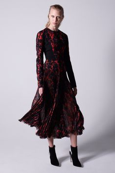J. Mendel Pre-Fall 2015 Photos 2015 Trends, Floor Length Dresses, Maxi Skirts, Pleated Skirt, Catwalks, Fall 2015, Look, Fashion Show, Women's Fashion