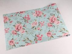 Papel de parede com as cores tons de rosa e tons de verde - Rose 05