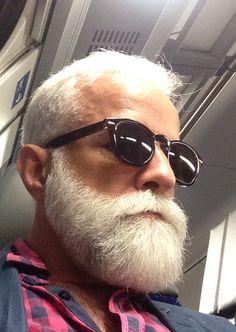 Whitebeard!! Grey Hair Men, Grey White Hair, Beard Styles For Men, Hair And Beard Styles, Bald With Beard, Beard Game, Grey Beards, Perfect Beard, Sexy Beard