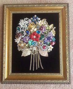 "Vintage+Rhinestone+Framed+Christmas+Tree+Jewelry+Art+Flower+Bouquet+8""+x+10""++"