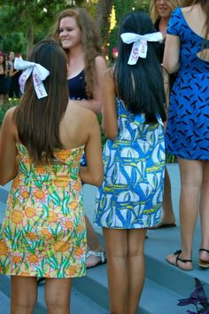 big/little Phi Mu bows    yet again wondering why I am not the source of this picture...given that I took it....getting so annoyed