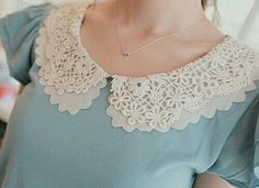 Lace Collar - Was thinking about getting a lace collar to add a touch of femininity and detail to a plain top. Golas Peter Pan, Vintage Outfits, Vintage Fashion, Peter Pan Collars, Peter Pan Collar Blouse, Look Retro, Diy Schmuck, Mode Hijab, Mode Inspiration