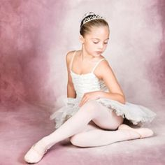 London Children's Ballet - yes Harriet needs that crown ♥ www.thewonderfulworldofdance.com #ballet #dance