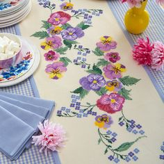 Tablecloth for 6 to be cross-stitched