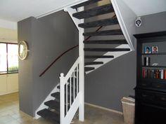 Afbeeldingsresultaat voor mooie gesloten klassieke trap in de woonkamer