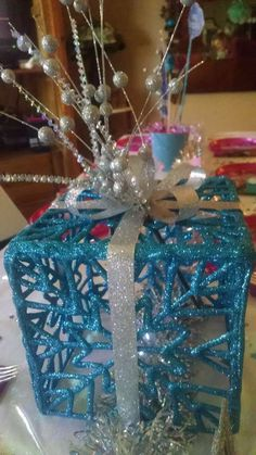 Frozen birthday party table decorations! See more party planning ideas at CatchMyParty.com!