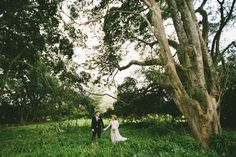 Friday the 2nd of October saw us photograph our first wedding of the season, and what a way to start it off! The forecast was for rain, but luckily it was sunny at all the right moments, including for Tyler + Lee's outdoor ceremony on the beautiful lawn of Abbeville Estate. Also, how stunning is Tyler's …