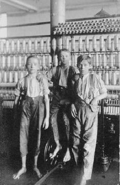 English Bolton boy mill workers