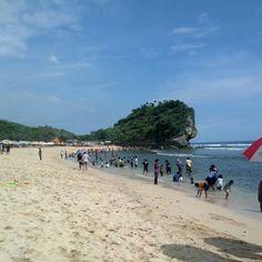 Pantai Indrayanti di Gunung Kidul, DI Yogyakarta