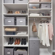 Closet Layout 203506476901916573 - Divide and conquer an overstuffed closet wit. Closet Layout 203506476901916573 - Divide and conquer an overstuffed closet with smart solutions that maximize storage and space. ✨ Source by akemikacia Wardrobe Organisation, Closet Organization, Organizar Closets, Bedroom Storage Ideas For Clothes, Closet Layout, Diy Wardrobe, Capsule Wardrobe, Dressing Room Design, Closet Designs
