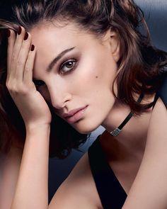 Natalie Portman Dior Makeup - Ideas of Dior Makeup Dior Lipstick, Dior Makeup, Makeup Geek, Eye Makeup, Miss Dior, Natalie Portman Dior, Nathalie Portman, Jenifer, Actrices Sexy
