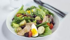 BBC - Food - Recipes : Salade Niçoise Everything Tongan except for the olives and anchovies. Couldn't find any anchovies so added some fish sauce to the dressing Nicoise Salad, Wedge Salad Recipes, Cheese Wedge, Blue Cheese, Shrimp Salad, Chicken Salad, Chopped Salad, Cheap Meals, Diet Recipes