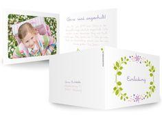 Karteneden Einladungen Einschulungen Reigen Wie ein kleiner Kranz präsentieren die Blätter und Blüte die Einladung zum Schulanfang. Schicht und sommerlich.