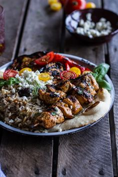 Greek Chicken Souvlaki and Rice Pilaf Plates w/Marinated Veggies + Feta Tzatziki. - Greek Chicken Souvlaki and Rice Pilaf Plates w-Marinated Veggies + Feta Tzatziki Clean Eating, Healthy Eating, Greek Chicken Souvlaki, Greek Chicken Skewers, Healthy Dinner Recipes, Cooking Recipes, Cleaning Recipes, Cooking Gadgets, Cooking Tips