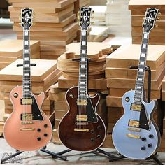 "Gibson Custom Shop (@gibsoncustom) on Instagram: ""Here's a nice trio of limited-edition 2017 Les Paul Customs. Colors from left to right: Cartridge…"""