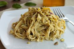 Tagliatelle cremose al pesto di pistacchi