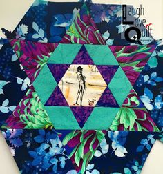 Kaufman's Who's that Girl with Kaffe fabric hexagon block #SmittenQuilt #SmittenQAL #JenKingwellDesigns