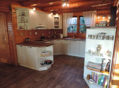 Poradca: František Čekovský - kuchyňa Manila Manila, Kitchen Cabinets, Home Decor, Decoration Home, Room Decor, Cabinets, Home Interior Design, Dressers, Home Decoration