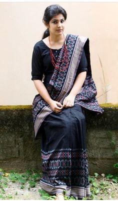 Cotton Saree Designs, Saree Blouse Designs, Indian Fashion Dresses, Indian Designer Outfits, Sambalpuri Saree, Ikkat Saree, Handloom Saree, Lehenga, Saree Blouse Models