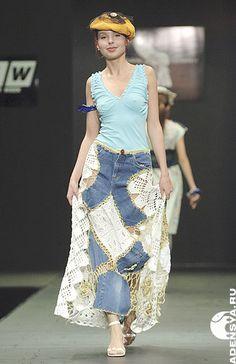 Sabe aquela  calça jeans  que você já usou muito, que você ainda adora ,   mas não tem mais como usar ?   Você não consegue desapegar dela...