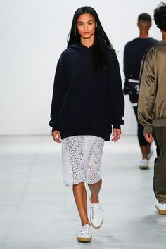 Band of Outsiders Spring 2017 Ready-to-Wear Collection Photos - Vogue