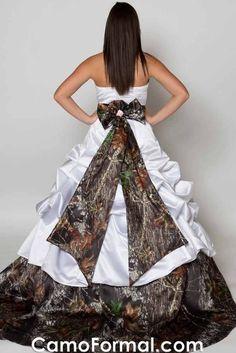 Camo Wedding Dress. Love it!!!