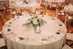 greenery wedding Nasa, Greenery, Wedding Decorations, Table Settings, Wedding Decor, Place Settings, Tablescapes