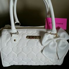 Betsey Johnson Bags - Betsy Johnson sweetheart white bag satchel