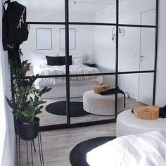 Photos and Videos Bedroom Closet Doors, Bedroom Closet Design, Home Bedroom, Grey Bedroom Decor, Living Room Decor, Studio Apartment Layout, My New Room, Minimalist Home, Home Decor Inspiration