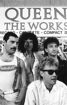 Queen at Williams Night Club in Australia - 15 Apr 1985 photo by Gill Allen Rock And Roll, Pop Rock, Queen Photos, Queen Pictures, John Deacon, I Am A Queen, Save The Queen, Great Bands, Cool Bands