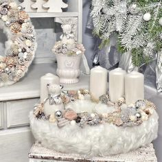 Stunning Christmas Sweater Wreath Advent Candles Decoration Ideas - Page 19 of 55 - Chic Hostess Christmas Advent Wreath, Christmas Candle Decorations, Advent Candles, Christmas Candle Holders, Christmas Candles, Winter Christmas, Christmas Crafts, Xmas, Advent Wreaths
