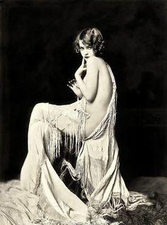 Anna Buckley , Ziegfeld girl .... Soooo gorgeous