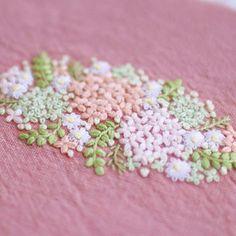 * . Pink hydrangea . . #刺繍#手刺繍#ステッチ#手芸#embroidery#handembroidery#stitching#needlework#자수#broderie#bordado#вишивка#stickerei