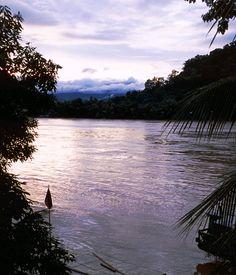 ラオス ルアンパバーン メコン川  Mekong River, Luang Prabang Laos